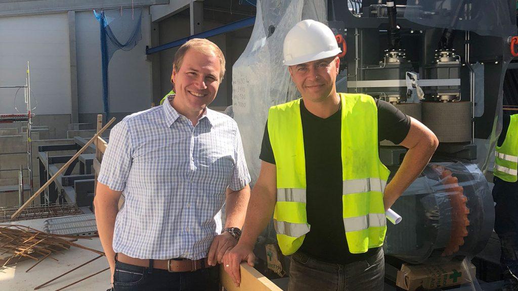 GELO Geschäftsführer Wolf-Christian Küspert (links) mit Sergej Fink (rechts).
